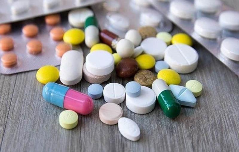 Thuốc Tây chữa bệnh tập trung vào điều trị triệu chứng