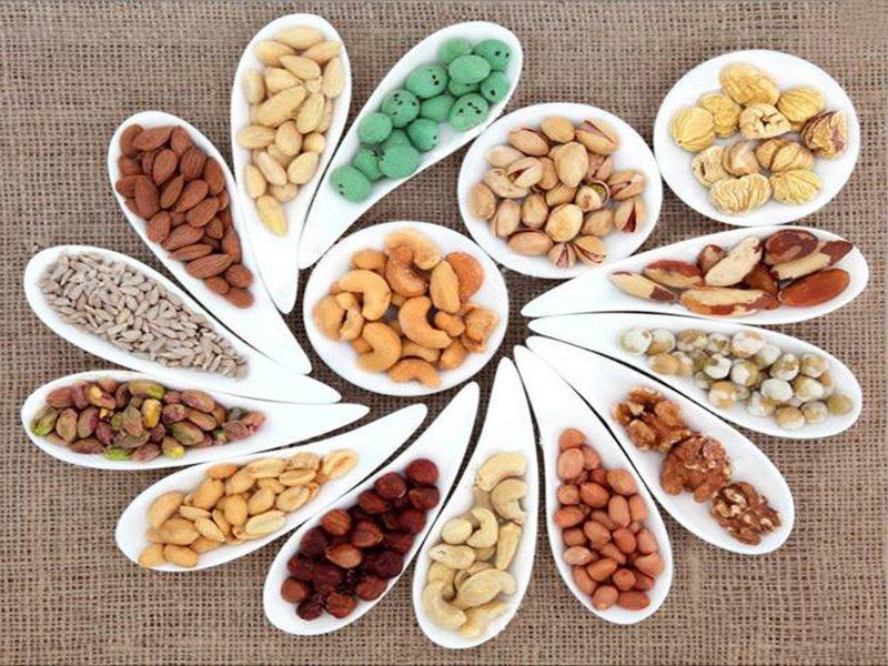 Các loại hạt cũng là những thực phẩm người viêm mũi dị ứng cần phải hạn chế