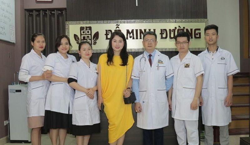 Đội ngũ lương y, bác sĩ tại Đỗ Minh Đường luôn tận tâm, nhiệt tình vì người bệnh