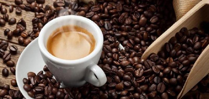 Người bị viêm xoang cần kiêng cà phê và các chất kích thích